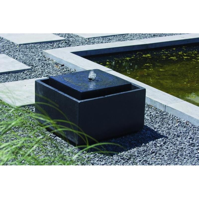 SONORA - fontaine carrée avec jet d'eau