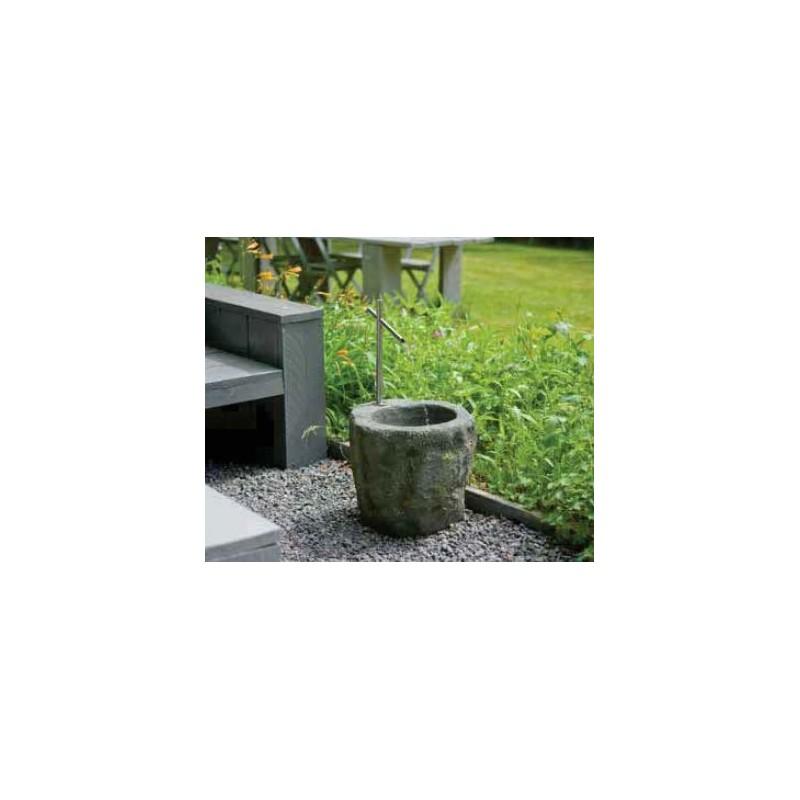 SACRAMENTO - fontaine en pierre et acier