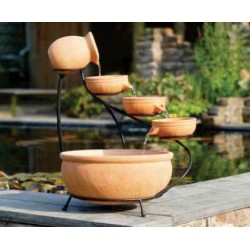 Grande fontaine en terre cuite - 3 bols